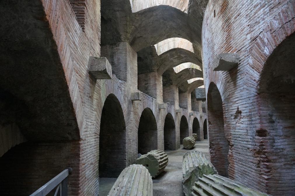 10 pouzzoles amphitheatre