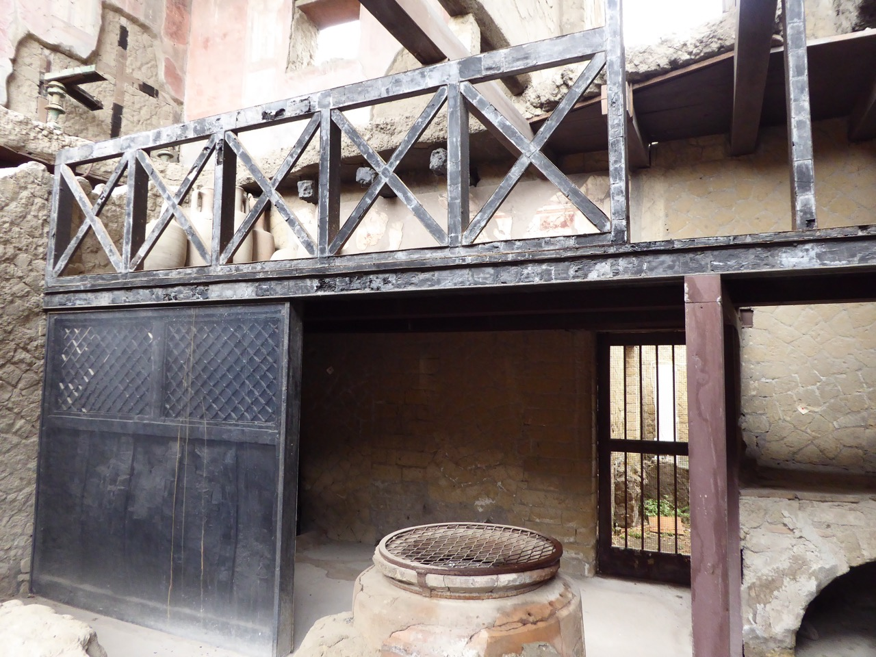 7 herculanum maison cloison de bois
