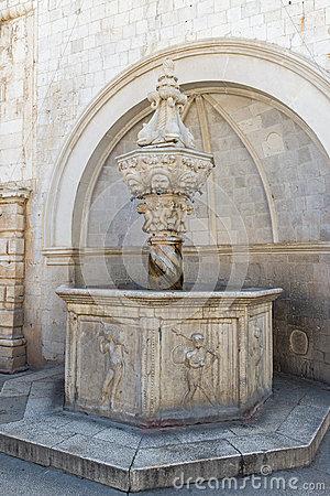 Dubrovnik fontaine de petit Onofrio